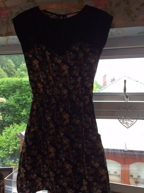Floral casual dress size 10 by Joy