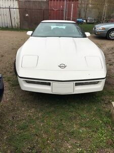 1984 COLLECTIBLE CORVETTE $6000 AS IS
