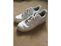 WHITE NIKE AIR FORCE 1 SIZE 8 (EURO 42) USED