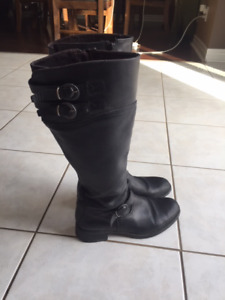 Aldo leather boots size 8