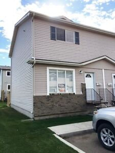 Nice quiet SK Townhouse near park - MUST SEE, lowered rent!
