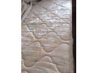 Top quality single divan bed with 2 drawers and clean mattress in excellent condition