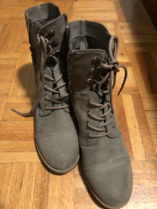 Women's size 8 Boots - G by Guess