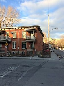 Centrally located 3 bedroom home. Walk to downtown.