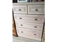 British made double wardobe with matching 5 drawer chest of Drawers in Oyster beinge.