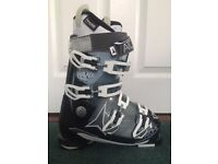 Atomic Women's Hawx 90 ski boots- Size 24- Worn for a few hours- Boot bag included