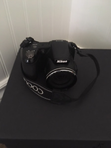 Nikon Coolpix L820 gently used