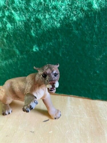 "Breyer ""Fiesta"" the Cougar Shaded Brown #750104 PERFECT CONDITION"