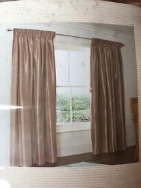 Wide curtains