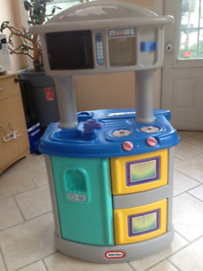 Little Tykes Play Kitchen