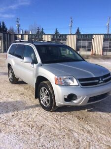 WANTED TO BUY...Mitsubishi Endeavor or outlander ...read on