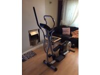 Reebok Rev 10101 Cross Trainer.