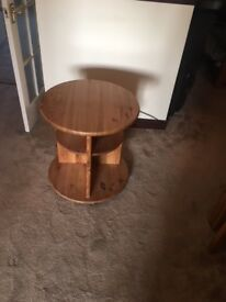 Small round solid oak (oiled finish) coffee table. Excellent condition.