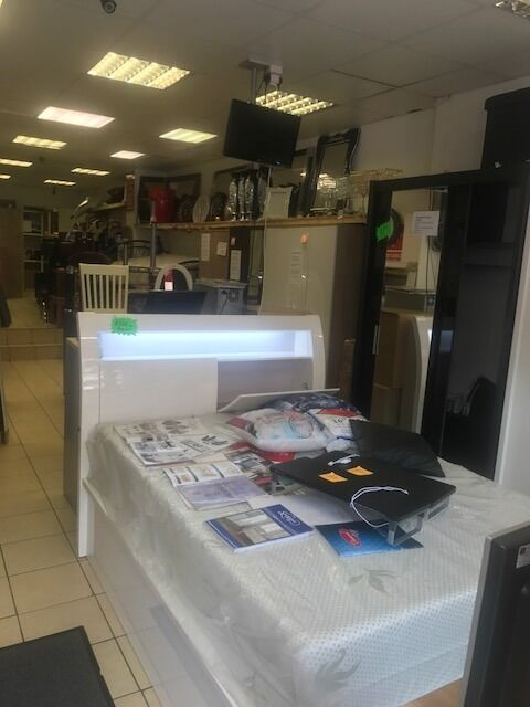 Furniture Shop with free parking and garden + High street retail customer