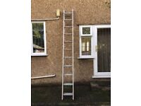 Clima 2 section aluminium ladder, 11 rungs, closed height 3.01m, extending to 5.5m