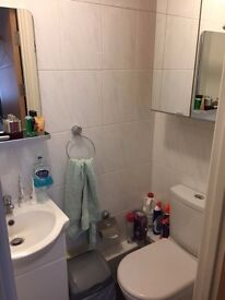 Studio Flat - E14 9WL available 27th October for £950pcm including all Bills