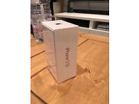 IPHONE 5S 16GB SPACEGREY UNLOCKED BRAND NEW AND SEALED IN BOX