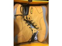 WORKWEAR CLEARANCE - Snickers DeWalt Mascot Site Branded Safety Boots, Fleeces, Coats at low prices!