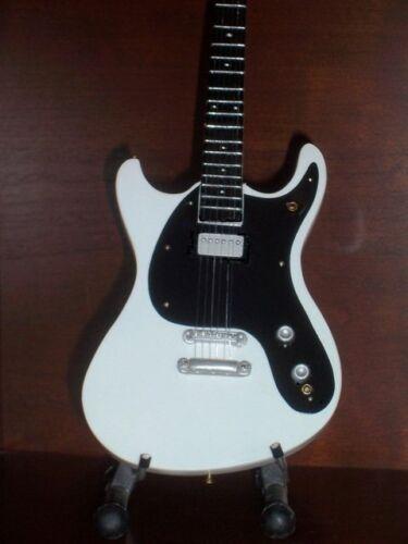 Mini Guitar RAMONES JOHNNY RAMONE GIFT Memorabilia FREE STAND ART Present