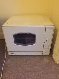 Mini Dishwasher B&Q DW009 - 50£ ono