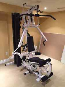 Universal Body Solid Gym - Mint Condition (accessories incl.)
