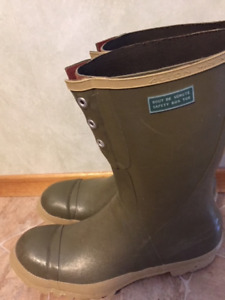 2 pairs Action steel toe rubber boots for sale