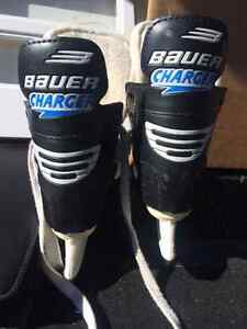 *** ONLY 2 LEFT -  BAUER CHARGER KIDS SKATES SIZE 8