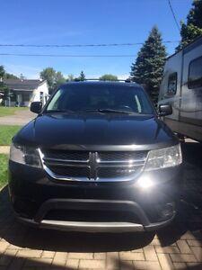 2012 Dodge Autre journey crew VUS