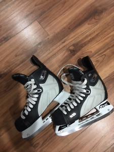 Hockey skates Reebok RBK 4K 7.5 E (shoe size 9)
