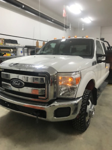 2012 Ford F350 Crew Cab 4x4  FOR SALE