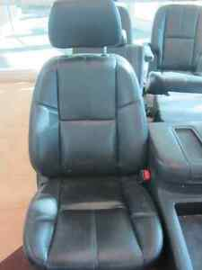 TAHOE FRONT/MID/REAR LEATHER SEATS 07-14 Peterborough Peterborough Area image 1