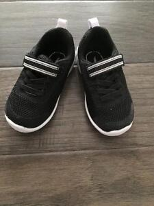 StrideRite Toddler Boy Size 5M Shoes