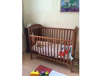 Baby Cot: strong and nice