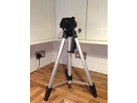 Camera Tripod With Carry Bag EXCELLENT CONDITION