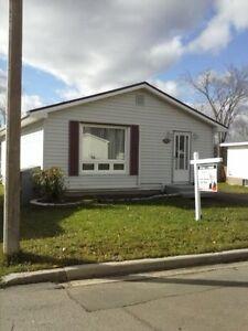 Owner wants it sold - Let's negociate - 50 Bingham - Moncton