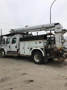 2005 Freightliner M2 Chassis with attached Altec aerial