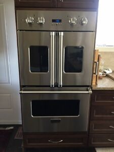 Brigade (Viking) double oven w/french doors Cornwall Ontario image 1