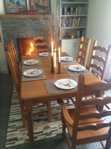 Rustic distressed pine dining table and 6 chairs
