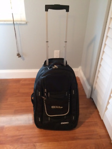 NEW Luggage - Ogio Terminal 22 Inch Features