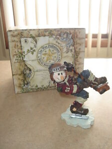 FIRST $10 ~ STANLEY ~THE STICK HANDLER ~ BOYD'S BEARS FIGURINE ~
