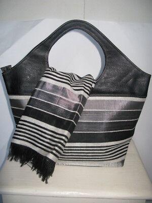 Gestreifte Damen Handtasche (Gestreifte Damenhandtasche mit passendem Schal, schwarz, silber grau)