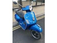 2015 Piaggio Vespa GTS 300 gts300 Super in Blue great condition