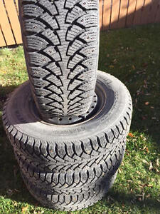 215/70 R15 Set of 4 Nokian  Winter tires with Rims