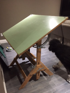 Wooden art/drafting table