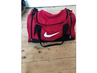 Nike Brasilia Medium Holdall Bag - Red