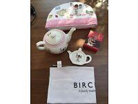 Tea Pot set including Tea pot, tea cosy, tea bag tidy, tea towel and tea. Collect from Fulham.