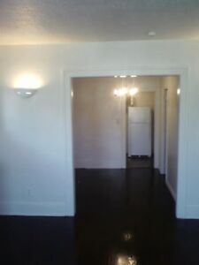 Hey u of w students! two-bedroom apartment,,laundry and parking,