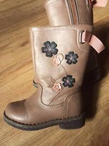 Girls cute Leather Boots, great condition, size 6 Geebung Brisbane North East Preview