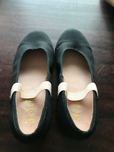 Kid's Bloch Black Character Dance Shoe Size 1G