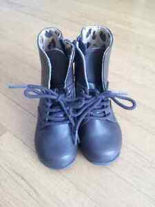 BRAND NEW Childrens Place Girls Shoes Size 5